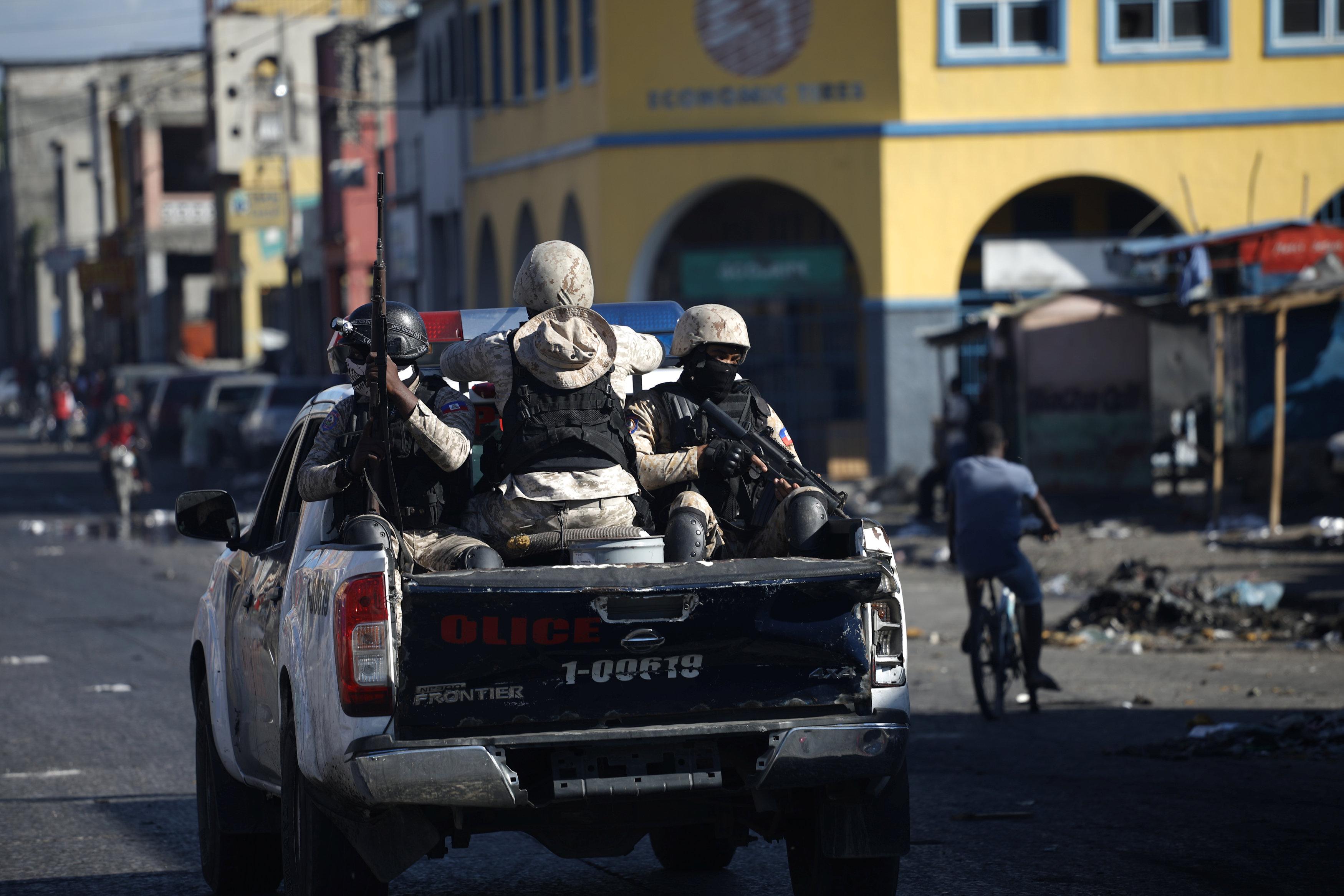 933634-شرطة-هايتى