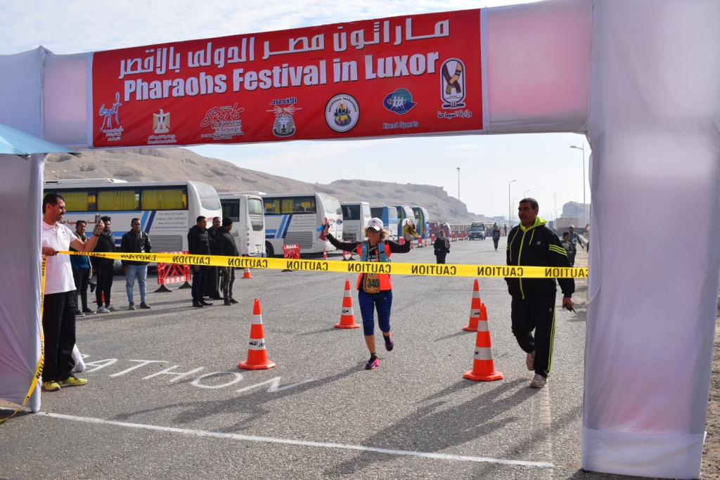لحظات الوصول لخط النهاية بماراثون مصر الدولي بالأقص (1)