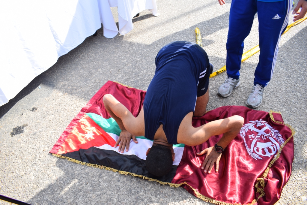 لحظات الوصول لخط النهاية بماراثون مصر الدولي بالأقص (4)