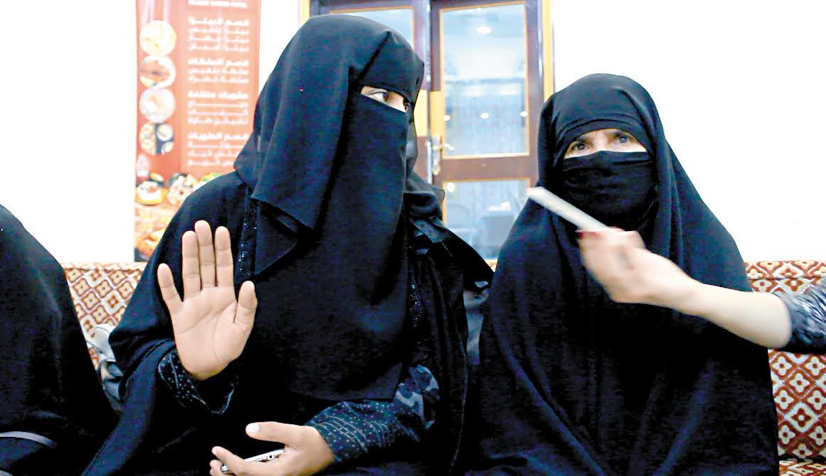 104944-أم-تروى-كيف-ساومها-الحوثى-كى-تسترد-طفليها-من-قبضتهم