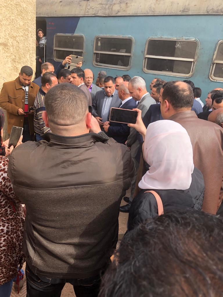 109984-جولة-وزير-النقل-بمحطة-مصر--(21)