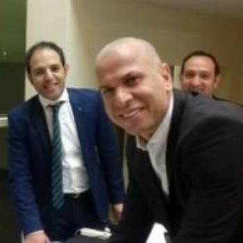 وائل جمعة خلال الإدلاء بصوته
