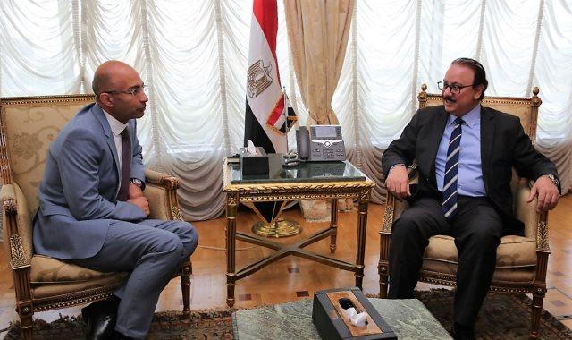 وزير الاتصالات ياسر القاضي يستقبل ياسر شاكر الرئيس التنفيذي لأورنج مصر