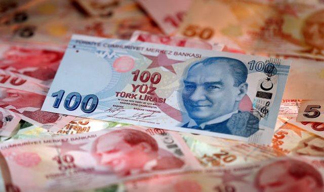 هبوط الليرة التركية أمام الدولار