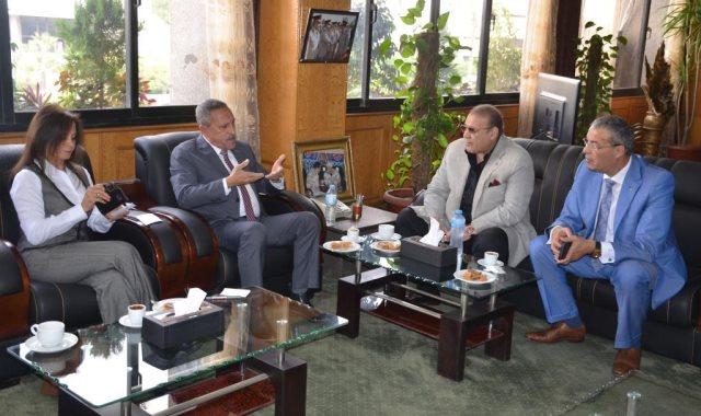 لقاء محافظ الإسماعيلية مع مجلس إدارة جامعة سيناء برئاسة حسن راتب