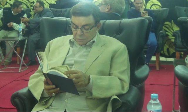 الفنان سمير صبرى يتلو القرآن
