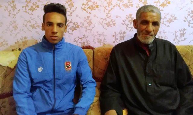 والد اسلام محارب وشقيقه