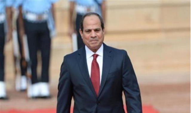 السيسى: أوجه التحية لكل سيدة مصرية تعمل من أجل بيتها