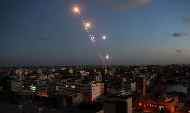 الاحتلال الإسرائيلى يشن غارات جوية على قطاع غزة