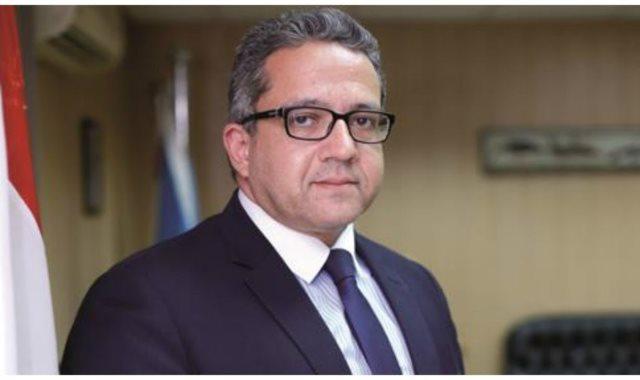 خالد العنانى وزير الآثار