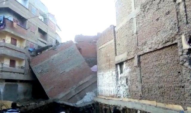 لحظة انهيار منازل بلقاس بالدقهلية عقب إخلاءها
