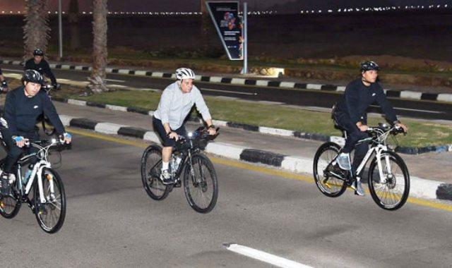 جولة الرئيس السيسى فى شرم الشيخ بالدراجة