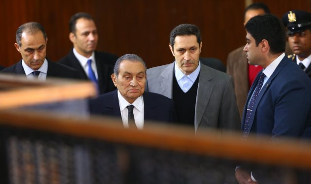مبارك أمام المحكمة