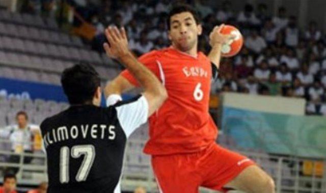 اللاعب أحمد الأحمر