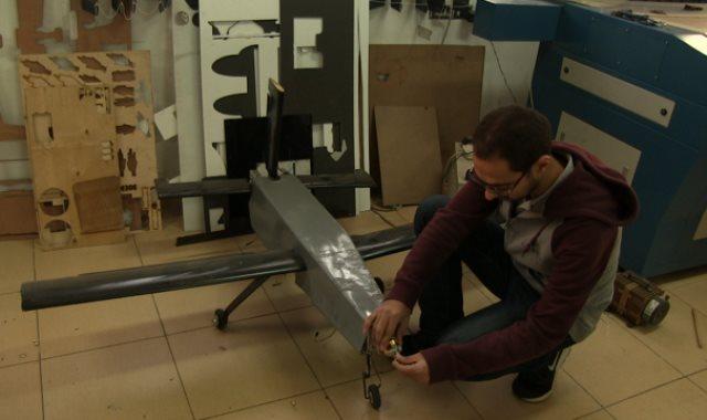 طلاب هندسة طيران القاهرة يواصلون التحليق