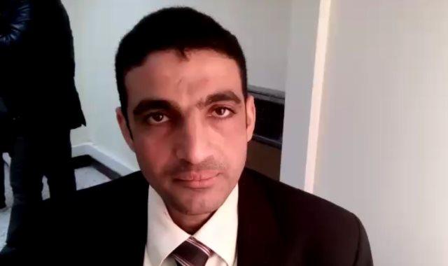 عمرو عبد الرحيم عرفة مترجم فورى بمكاتب توثيق الأحوال الشخصية