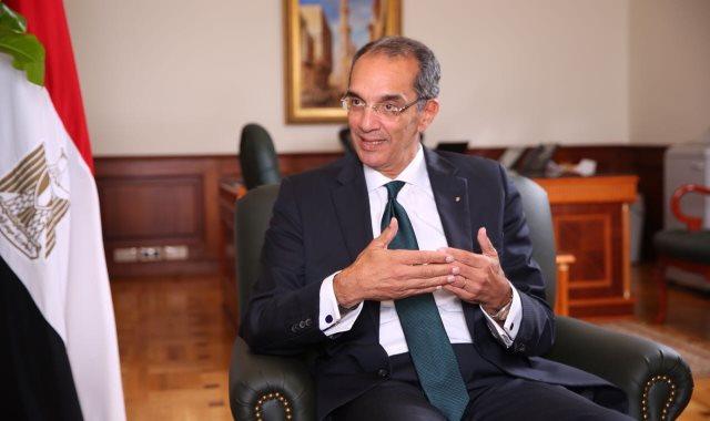 الدكتور عمرو طلعت وزير الاتصالات