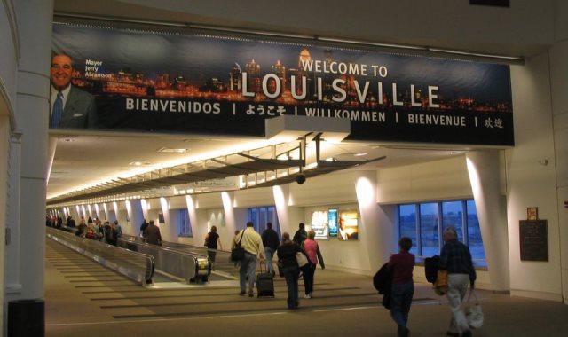 مطار لويسفيل