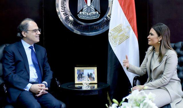 سحر نصر مع ممثل صندوق النقد الدولي
