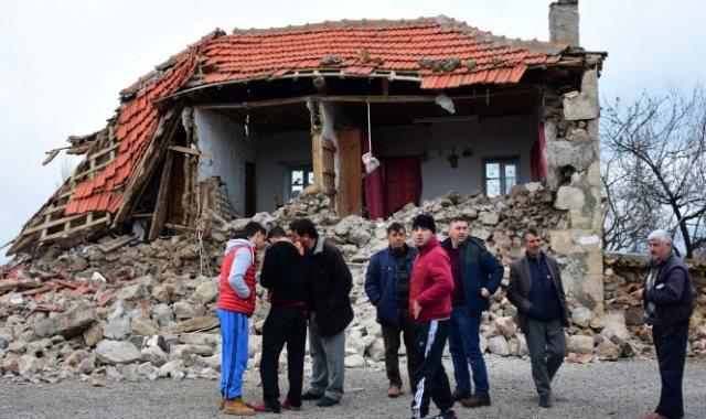 زلزال بقوة 5.1 درجة يضرب منطقة مرمرة بـ تركيا (فيديو)