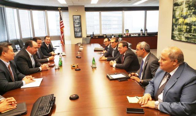 الملا يلتقي ممثلي كبرى شركات البترول العالمية بأمريكا