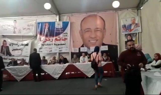 جانب من التسجيل فى انتخابات نقابة الصحفيين