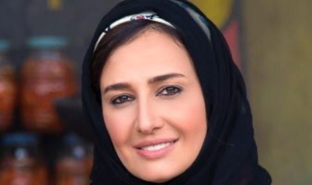 حلا شيحة عبر حسابها علي انستجرام:  أتجاهل لأن لا شئ يستحق