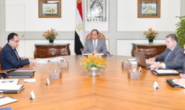 الرئيس السيسى يوجه بمواصلة تطوير شركات قطاع الأعمال العام