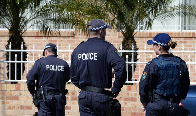 مراهق يهدد بقتل المصلين فى مساجد أستراليا