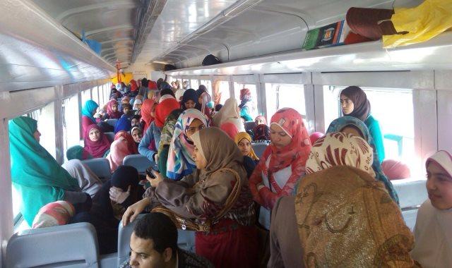 ركاب القطارات