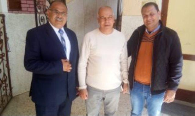 والد محمد صلاح يدلى بصوته فى الإستفتاء على التعديلات الدستورية