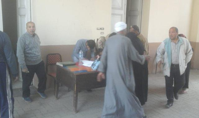 لجان الدقى تبدأ استقبال المواطنين في ثالث أيام الاستفتاء