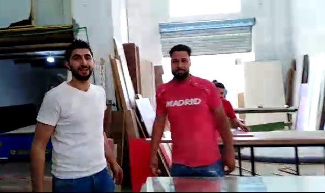 عماد فوزى صاحب مصنع أثاث