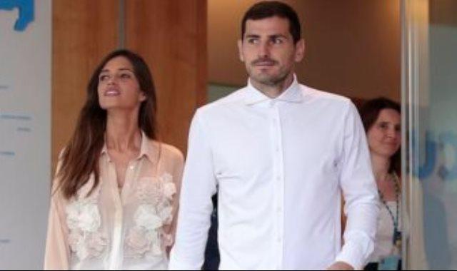 كاسياس و زوجته