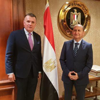 وزير التجارة والصناعة يستقبل سفير السويد بالقاهرة