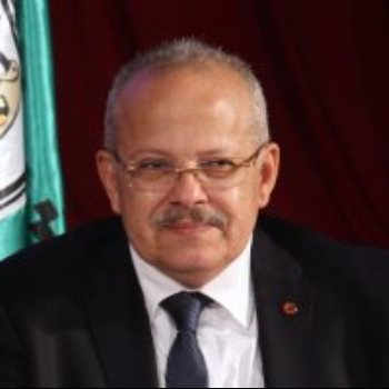 الدكتور أحمد طه مدير مستشفى قصر العينى الفرنساوى