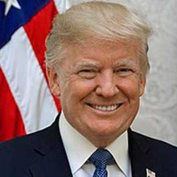 الرئيس دونالد ترامب والرئيس المصري الأسبق أنور السادات