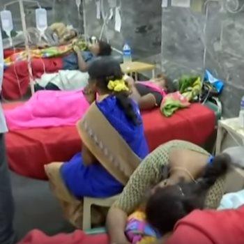 وفاة 11 شخصا في معبد بالهند