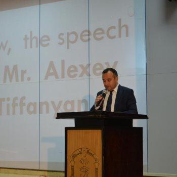 اليكسي تيفانيان مدير المركز الثقافي بالسفارة الروسية