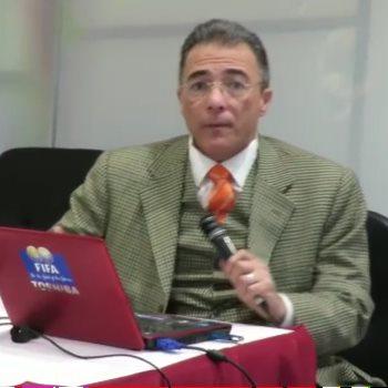 ياسر حسنى أستاذ واستشارى القلب بمركز القلب الرياضى بوادى النيل