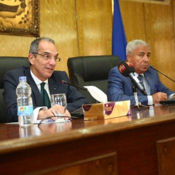 وزير الاتصالات ومحافظ أسوان