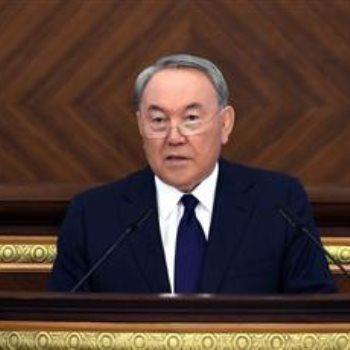 سلطان نزارباييف - رئيس كازاخستان المستقيل