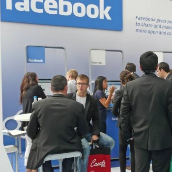 """كاميرا """"دوت مصر"""" تتجول داخل مقر فيسبوك"""