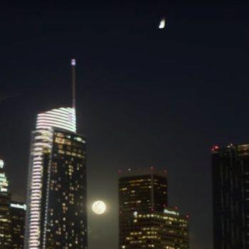 ضوء فى سماء لوس انجلوس
