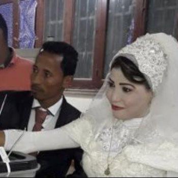 العروسان فى لجنة العركى بقنا