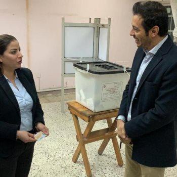 مصطفى شعبان يدلي بصوته في استفتاء الدستور