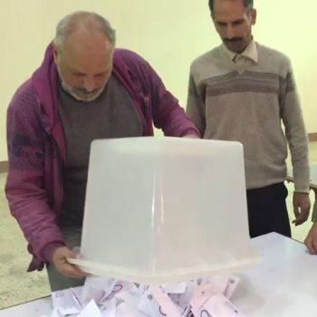 فرز صناديق استفتاء