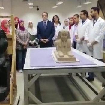 فض تغليف تمثال أبو الهول