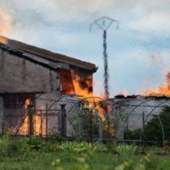 النيران المشتعلة فى مخزن الكونياك