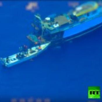 مهربون يتركون قارب فى عرض البحر